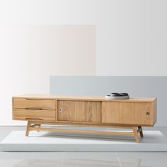 Pre-Order and save on the Svend Entertainment Unit - Solid Oak - - White/Grey Doors - Icon By Design. Timeless furniture you can afford to love. Grey Doors, Oak Doors, Living Room Furniture Online, Online Furniture, Scandinavian Storage Furniture, Solid Oak Tv Unit, Mtv, Classic Drawers, Design Furniture