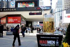 Copo gigante de uísque fazia a contagem regressiva para Mad Men em Nova Iorque - Blue Bus