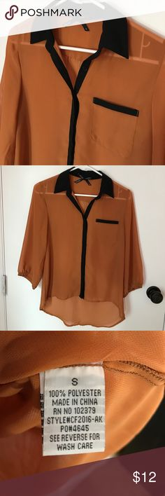 Button down shirt Very good condition! 3/4 sleeve .  Check my closet for others $4 items. For this price you can bundle and save money! Ali & Kris Tops Button Down Shirts