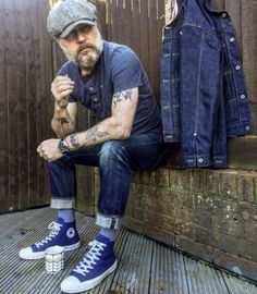 Fashion is what you buy; style is what you have. Workwear Fashion, Denim Fashion, Fashion Outfits, David Beckham Style, Older Mens Fashion, Mode Jeans, Rugged Style, Stylish Mens Outfits, Cool Street Fashion