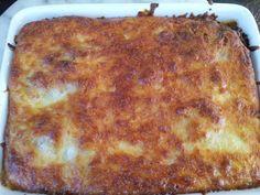 Lasagne Art bolognese mit frischen Kräutern und einer hausgemachten Bechamelsoße zubereitet