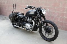 I love this bike. What a great custom job. 2002 Triumph Bonneville America