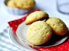 Citromos púpos keksz recept: Ez a finom citromos laktózmentes keksz kiváló kísérője egy forró teának, de akár útravaló ropogtatnivalóként is megállja a helyét.