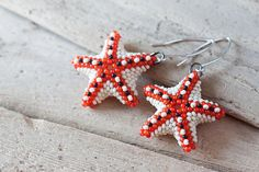 Beadwoven starfish earrings by CookOnStrike from Lithuania