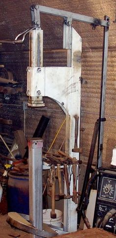 I am building a helve hammer similar to this one right now,, ARP. Treadle Hammer Homemade treadle hammer constructed from steel plate, flat bar stock, and steel tubing Metal Projects, Welding Projects, Blacksmith Power Hammer, Welding Shop, Shop Buildings, Blacksmith Projects, Metal Working Tools, Metal Shop, Metal Art