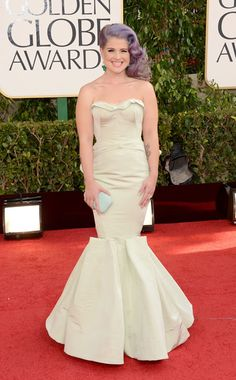 Kelly Osbourne. Golden globe award 2013.