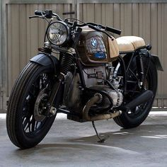happy with my Bmw Café Racer Bmw Scrambler, Bmw Cafe Racer, Custom Cafe Racer, Bike Bmw, Bmw Motorcycles, Vintage Motorcycles, Motorcycle Bike, R Cafe, Cafe Bike
