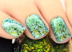 Open Fields is a wonderfully fresh nail polish that primarily shifts through a vibrant grass green, golden yellow, and cool blue. You might even catch other colors depending on the lighting!  ILNP Ultra Chrome Flakies are fully opaque and can be worn alone or over any color without affecting the intense color shifting properties.   Full coverage in 3 - 4 coats.