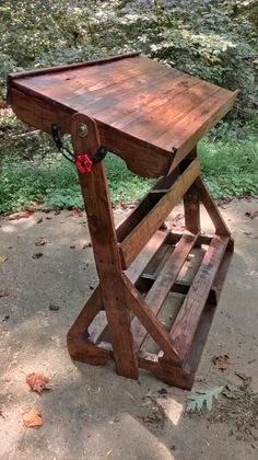 I LOVE this; it would be great for art projects. Easels just don't do it for me. Pallett drafting table