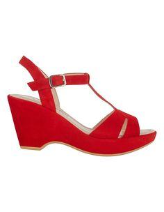 Plateau-Sandalette aus Veloursleder | MADELEINE Mode Österreich Shopping, Shoes, Fashion, Red, Switzerland, Moda, Zapatos, Shoes Outlet, Fashion Styles