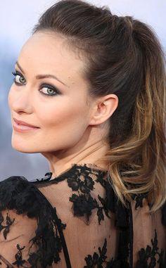 La coleta: el remedio para un pelo rebelde http://cocktaildemariposas.com/2012/11/07/peinados-coleta