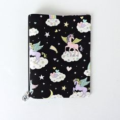 This fun unicorn themed cover is designed to fit your A6 Hobonichi or notebook