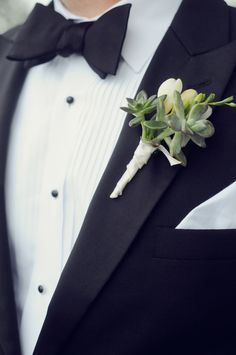 #succulent, #boutonniere Photography: Alea Moore Photography - www.aleamoore.com Read More: http://www.stylemepretty.com/2014/10/15/elegant-lakeside-georgia-wedding/