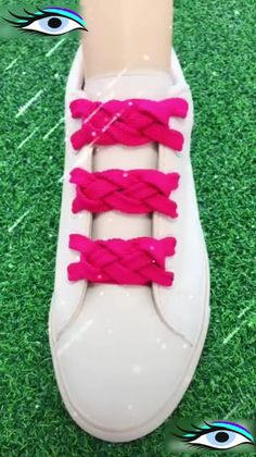 Best ideas of lacing your shoes. Amazing and easy latice tehniques to tie the shoes. Learn 10 different ways of lacing your shoes perfectly. Ways To Lace Shoes, How To Tie Shoes, Your Shoes, Pointed Ballet Flats, Ballet Heels, Diy Fashion, Fashion Shoes, Creative Shoes, Tie Shoelaces