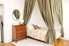 Tour Style Blogger Kallie Feigenbaum's Studio Apartment - DIY Bed Curtains