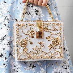 dacb1ebf03 US $28.99 45% OFF Fashion Box evening bag diamond flower Clutch Bag hollow  relief Acrylic luxury handbag banquet party purse women's Shoulder bag-in  ...