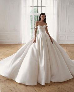 15 Awesome Strapless Wedding Dresses For Every Bride ❤ strapless wedding dresses princess simple oliviabottega #weddingforward #wedding #bride #weddingoutfit #bridaloutfit #weddinggown