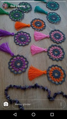 Perde ucu Crochet Feather, Crochet Dreamcatcher, Crochet Mandala, Crochet Art, Thread Crochet, Crochet Flowers, Crochet Keychain, Crochet Bracelet, Craft Ideas