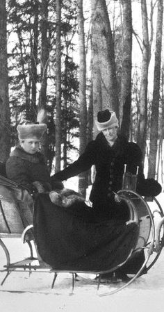 Alix & Irene.Tsarskoe Selo, 1908.