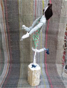 Plinth People: Sculptural Self Portraits by the AccessArt Art Club at http://www.accessart.org.uk