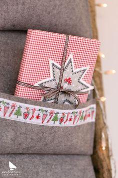 """Webband Weihnachtsgirlande aus dem Buch """"Dezemberfreude"""" #acufactum #webbaender…"""