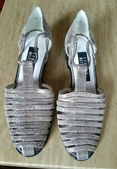 Stuart weitzman flat shoes size 8AA gold and silver