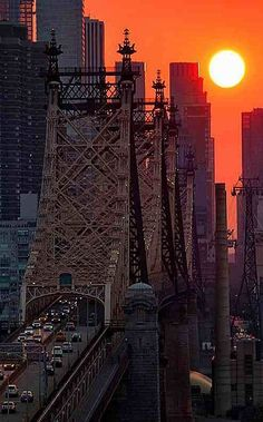 Via http://ffranboise.tumblr.com/ - Sunset Over the 59th St Bridge, New York City