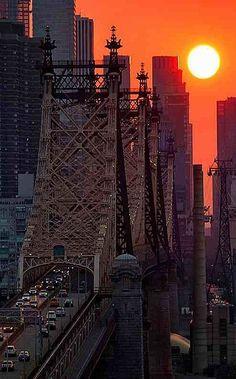 Via http://ffranboise.tumblr.com/ - Sunset Over the 59th St Bridge, New York City