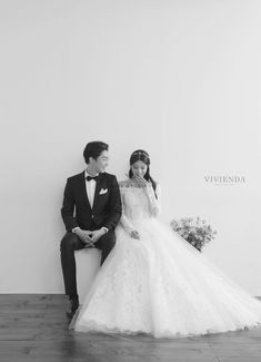 Minewedding Minewedding provides the best quality and Full Korean photography se. - Minewedding Minewedding offers the very best quality and Full Korean images se. - quality Minewedding M. Funny Wedding Photography, Wedding Photography Contract, Photography Services, Photography Equipment, Pre Wedding Photoshoot, Wedding Poses, Wedding Shoot, Wedding Couples, Wedding Band