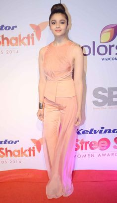 Alia Bhatt on the red carpet at the prestigious Stree Shakti Women Achievers Awards.
