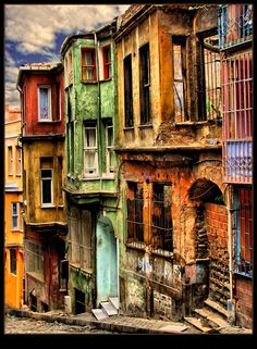 istanbul - BALAT - colourful houses