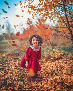Image may contain: 1 person, standing, tree, outdoor and nature - Prenatal Vitamins Cute Little Baby Girl, Cute Baby Girl Pictures, Cute Girls, Baby Girls, Herbst Tattoo, Cute Baby Girl Wallpaper, Cute Babies Photography, Dark Photography, Children Photography