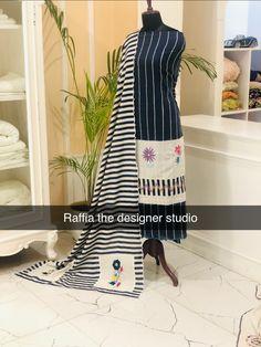 Designer Party Wear Dresses, Embroidery Suits Design, Designer Punjabi Suits, Simple Pattern, Cotton Suit, Fabric Painting, Salwar Suits, Traditional Dresses, Wedding Accessories