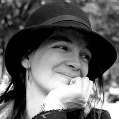 """Maria Mercè Marçal, la poetessa.  """"A l'atzar agraeixo tres dons: haver nascut dona, de classe baixa i nació oprimida. I el tèrbol atzur de ser tres voltes rebel."""""""