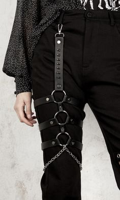Shop For Body Harness Fashion In Our Fashion Harness Collection at Attitude Clothing! Edgy Outfits, Grunge Outfits, Cool Outfits, Fashion Outfits, Aesthetic Grunge Outfit, Aesthetic Clothes, Leg Harness, Cyberpunk Fashion, Mode Streetwear