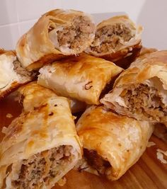 """Read our delicious recipe for Healthy """"Hidden Veggie"""" Sausage Rolls, a recipe from The Healthy Mummy, which is a safe way to lose weight after having a baby Healthy Mummy Recipes, Baby Food Recipes, Beef Recipes, Cooking Recipes, Cooking Ideas, Dinner Recipes, Veggie Sausage, Healthy Sausage Rolls"""