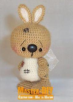 Связать крючком игрушку зайчик. Описания вязания игрушки заяц амигуруми для детей.