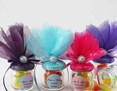 Cute Idea for Leftover Small Jelly Jars Party Gifts, Diy Gifts, Party Favors, Jar Crafts, Diy And Crafts, Wedding Favours, Wedding Gifts, Little Presents, Baby Food Jars