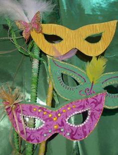 Scrapbooking.com -- Scrapbooking.com -- Layout - Mardi Gras Masks by Chia Wald
