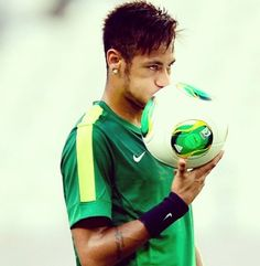 I don't know what it is about Neymar Jr, but Go Brazil, Paris Saint Germain Fc, Messi And Neymar, National Football Teams, Soccer World, Fifa World Cup, Fc Barcelona, Football Players, Sports