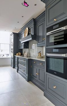 Dark Grey Kitchen | Tom Howley, Dark Grey Kitchen | Tom Howley,  #dark #Grey #Howley #KITCHEN #Kitchendesigns #Tom<br> Grey Kitchen Designs, Interior Design Kitchen, Home Interior, Luxury Kitchen Design, Interior Ideas, Interior Decorating, Modern Bathroom Decor, Home Decor Kitchen, New Kitchen