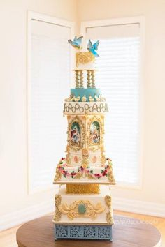 Rococo Wedding Cake by Albena. #wedding #cakes #bridal