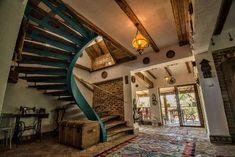 Cuibul de la Mare, in comuna Corbu – Constanta Neo Traditional, Cottage Interiors, Top Destinations, Marie, Beautiful Places, Stairs, Lounge, Interior Design, Home Decor