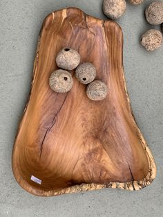 Carved Wooden Bowl, Wooden Bowls, Madeira Natural, Hobbies, Woodworking, Carving, Fruit Holder, Wood Trunk, Trays