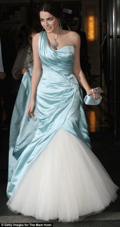 Fashion royalty: Anna's daughter Bee Shaffer looked like a vintage Cinderella in her gown, which was blue satin with a white tulle skirt