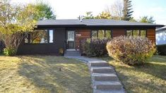 「renovated bungalow exterior」の画像検索結果