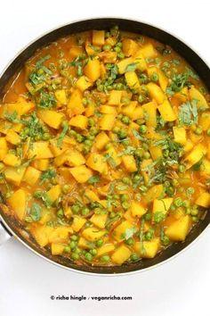 Vegan Bombay Potatoes and Peas | http://VeganRicha.com Easy Indian Spiced Potato and Pea curry. #vegan #glutenfree #soyfree #Indian
