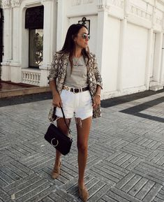 45 Top Amazing Street Style for Spring Summer Blazer Outfits Casual, Grunge Outfits, Classy Outfits, Chic Outfits, Fashion Outfits, Work Outfits, Blazer Fashion, Fashion Boots, Grunge Look