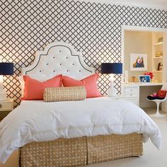 Room bedding coral aqua, girl dorms and. decorating with shades of coral Gold Bedroom, Dream Bedroom, Master Bedroom, Coral Bedding, Girl Dorms, Dorm Room Bedding, Home Decor Inspiration, Preppy Inspiration, Home Decor Wall Art