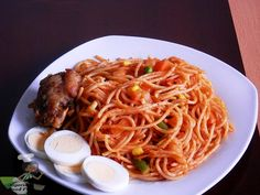 Jollof Spaghetti with vegetables by nigerian food tv,